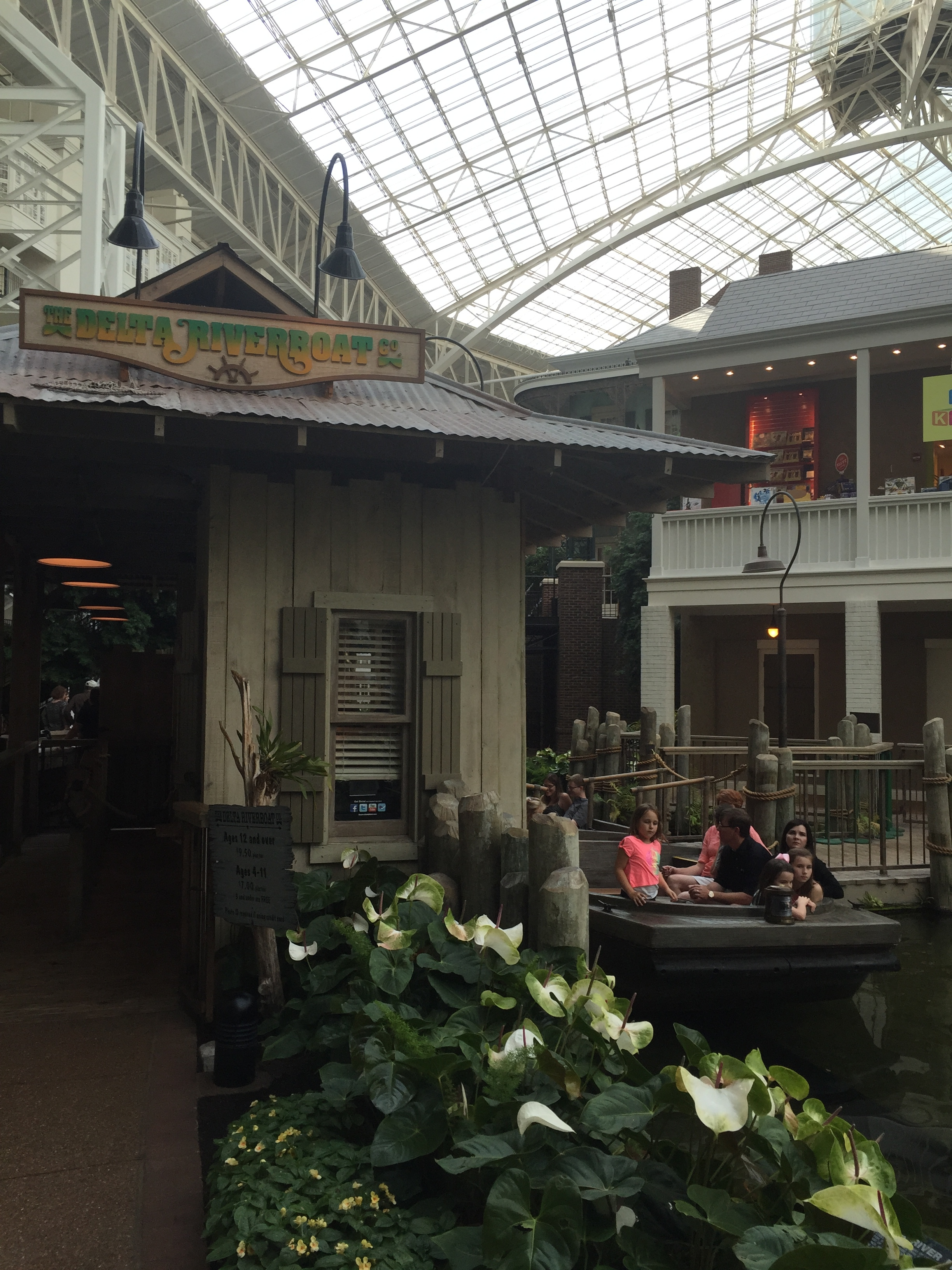 Gaylord Opryland Delta Riverboat Tours