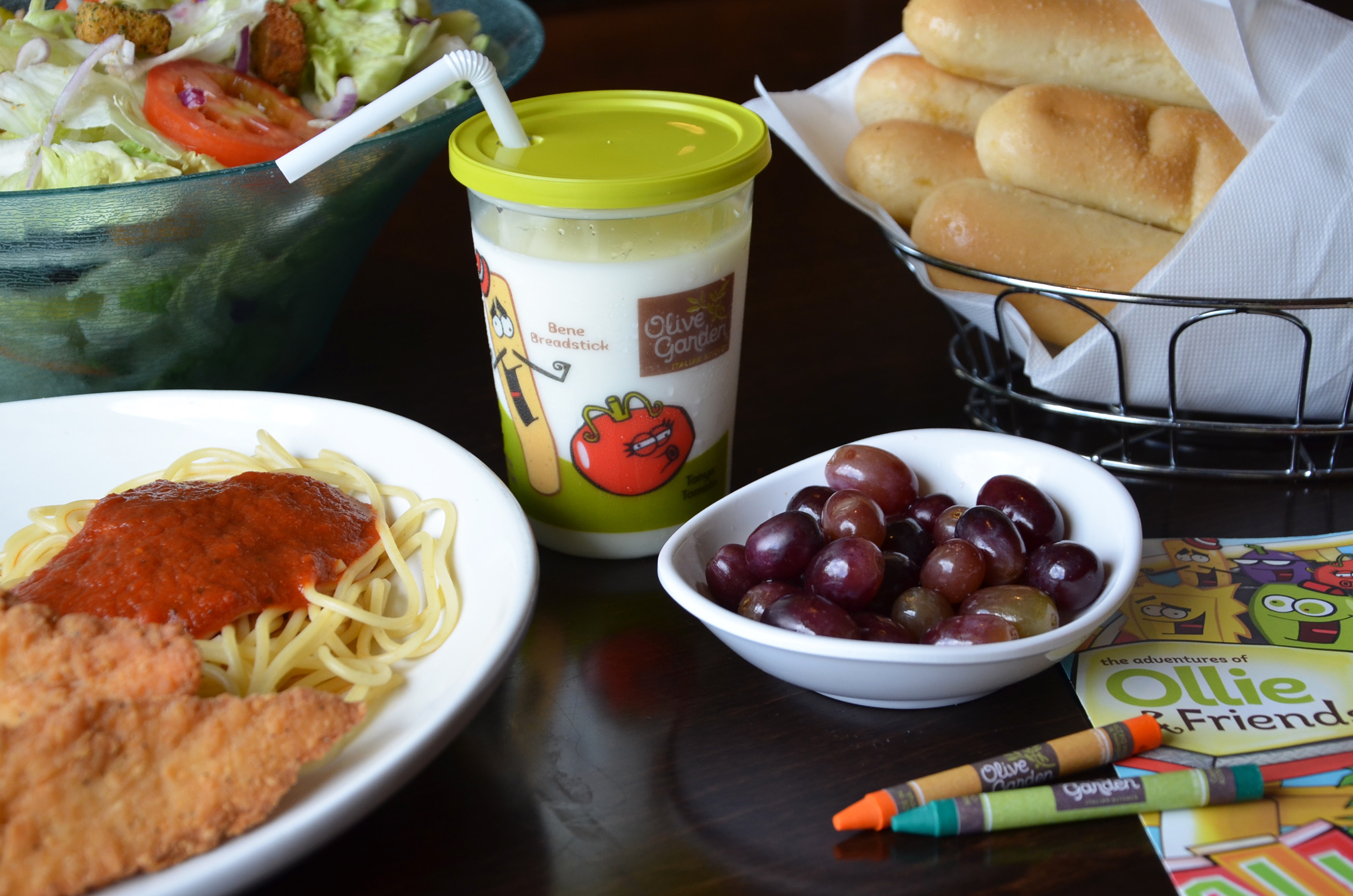 All The Pasta You Can Eat With Olive Garden S Never Ending: Olive Garden Halloween Specials - Just Marla
