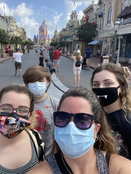 Disney Requires masks for safety